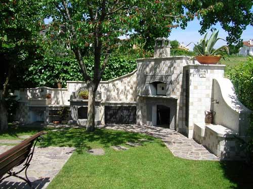 Restauri del casale restauro e ristrutturazioni casali for Arredo ville e giardini